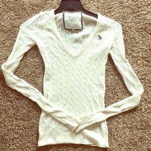 Abercrombie and Fitch small white sweater